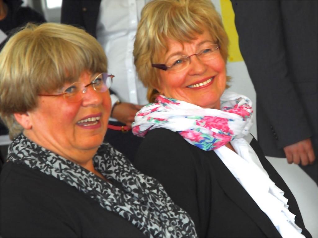 Ellen Neuhaus und Sekundarstufenleiterin <b>Gisela Gutheil</b> - 130524NeuhausGutheil