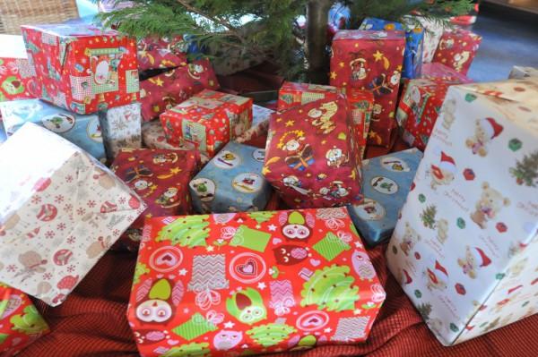 Bunte Geschenke empfingen die Gäste gleich am Eingang.