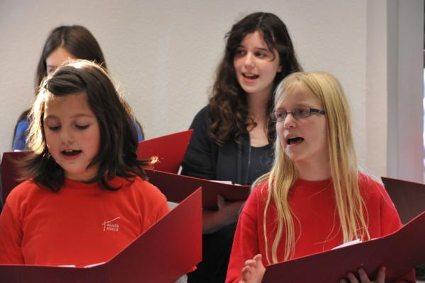 Der Schulchor sorgte für den musikalischen Rahmen.